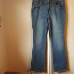 OLD NAVY CURVY BOOTCUT JEANS SIZE 8